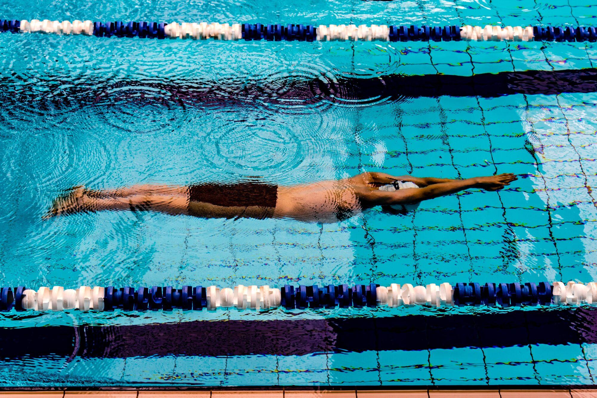 Derfor er svømning en god form for motion